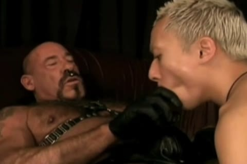 amoral Leather Daddy Subdues muff lad
