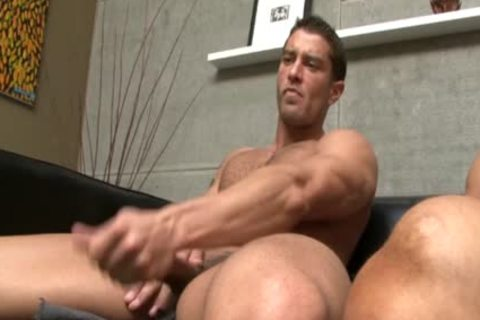 CODY CUMMINGS gets A oral joy job FROM A HUNK