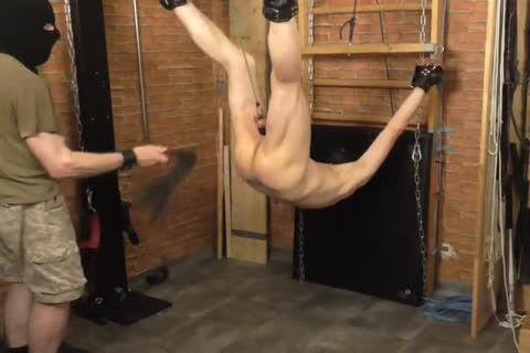 A bdsm-session In A lusty Afternoon. The master Likes To Play With The Balls Of The serf And spanking The butthole. master: Sadist52 serf: MasoFun