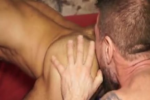 Rocco Steele drills His large 10-Pounder BB