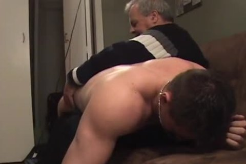 Hunk With Bubble wazoo acquires A spanking