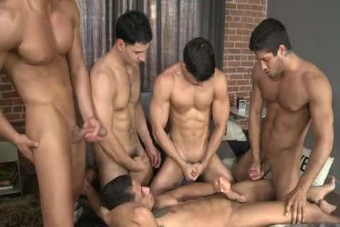 Five Hunks In One daybed.wmv