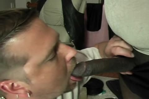 ROB BROWN: enormous SQUIRTIN 10-Pounder.wmv