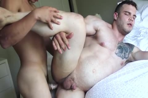 Two Hunks fuck Each Other