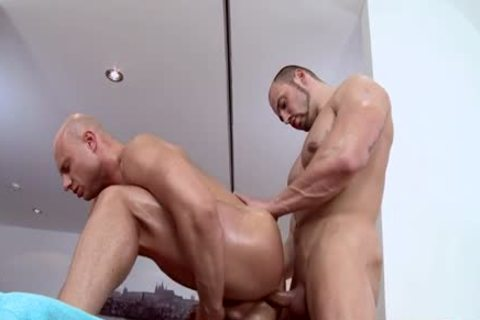Muscle Daddy booty stab And Massage