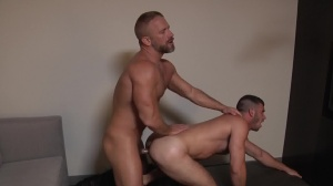 Daddy Hunt - Dirk Caber, Jimmy Fanz ass pound