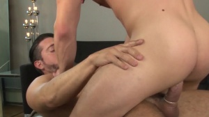 Central Park Cruising - Jimmy Durano with Colt Rivers booty stab