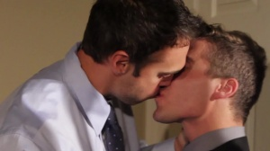 Mail Mix Up - Rocco Reed & Tyler Morgan butthole job