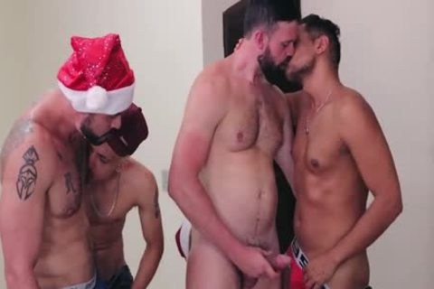 Atraidos Pelo Natal - Parte 4 [Berwovisio Introduces].mp4
