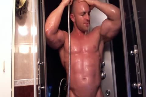pumped up chap In The Shower Getting lewd