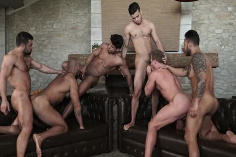 bare fun With Six 6-pack Hunks