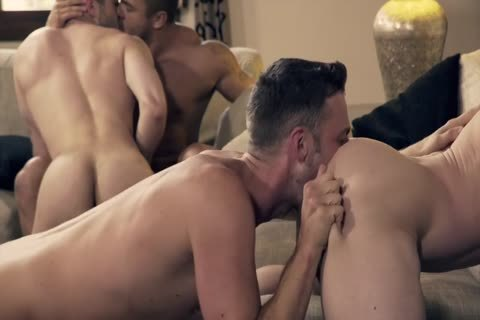Ben Bateman Takes 2 cocks In amazing bareback orgy