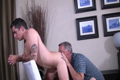Silver Daddy fuck pretty young boy