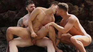 Drill My Hole: American Matthew Camp licking ass at the beach