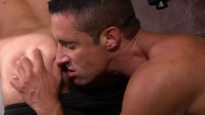 IconMale: Max Sargent show huge cock