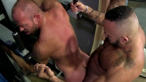 BearBack: Big cock Matt Stevens cum on face
